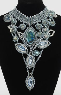 http://bnb.jewelrymakingmagazines.com/~/media/images/Bead%20Dreams/2013/Bouquet%20of%20raindrops