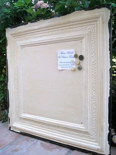 Shabby Chic Memo Board...  I think this would be cool with chalkboard paint in the middle...