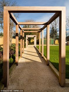Minimalistic pergola. There are many styles of pergola. This modern pergola feels clean and unfussy.