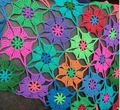 Beautiful crochet stitch in flowers made step by step in this explaining graphic model.               -                FREE PATTERNS