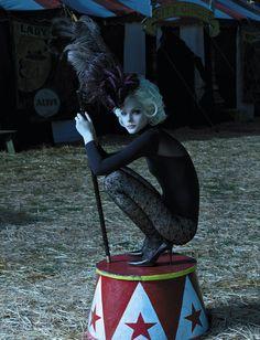 Americana Manhasset Fall/Winter 2006 / The Chicest Show On Earth / Jessica Stam / Laspata DeCaro - Fashion Freaks Dark Circus, Jessica Stam, Vintage Circus, Burlesque, Clowns, Art Du Cirque, Circus Fashion, Pierrot Clown, Circus Theme