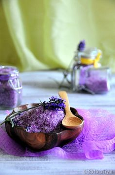 Already got an arsenal of homemade goodies including bath salts, but trying this one tomorrow.  Homemade Gift DIY  Lavender Bath Salts - easy step by step guide.