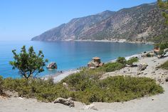 Saint Paul is a remote beach, accessible by hiking or the sea. The energy of the place is amazing, while the crystal blue waters will blow your mind! Holiday Service, Sailing Trips, Hidden Beach, Crete Greece, Island Tour, Crystal Clear Water, Cruise, Places To Visit, Remote