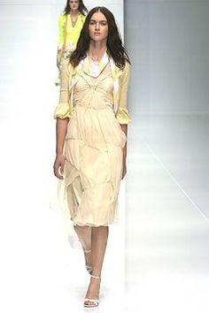 Burberry Spring 2005 Ready-to-Wear Fashion Show - Rachel Alexander