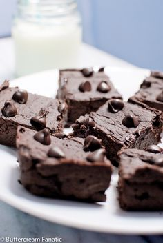 Guest Post from Buttercream Fanatic: Double Chocolate Black Bean Brownies - Yeah...imma eat that.