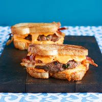 I made these last night for dinner...YUMMMO!! Pimento Cheese Patty Melts with Bacon
