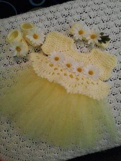 crochet baby dress set with daisies and tutu. от BabyBeautiful801