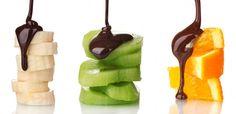 Un dessert pour un repas de fête, à déguster en amoureux ou en famille. Voici notre recette de fondue au chocolat pour la St-Valentin.