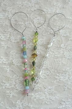 DIY Tutorial: Bubble Blower - Boho Weddings™ - made with copper wire and beads - this would be cute with ribbons attached to the loop at the end.