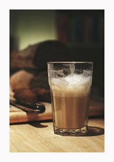 Latte at Books & Brunch - © Silvie Bonne