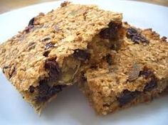 It can be frustratingly difficult to find a healthy flapjack recipe that isn't loaded with butter, sugar or syrup. If you would rather not load up on these ingredients, here is an alternative…