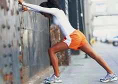 Shin splints are a common workout injury, but they don't have to sideline you from running. Do these six shin splint stretches before your run to prevent pain. Shin Splint Exercises, Stretching Exercises, Stretches For Shin Splints, Foot Exercises, Calf Stretches, Stretches For Runners, Bad Knees, Skinny Mom, Workout Exercises