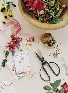 heirloom seed packets | Ali Harper #wedding