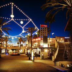 My favorite mall in California.  As it is one of the largest shopping malls in the world.