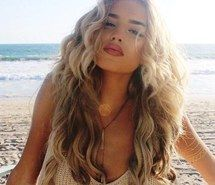 When you care for your hair your whole life changes. Good hair tells other people that you are put together. Hair Inspo, Hair Inspiration, Color Rubio, Photographie Portrait Inspiration, Hair Dos, Gorgeous Hair, Curly Hair Styles, Cool Hairstyles, Braided Hairstyles