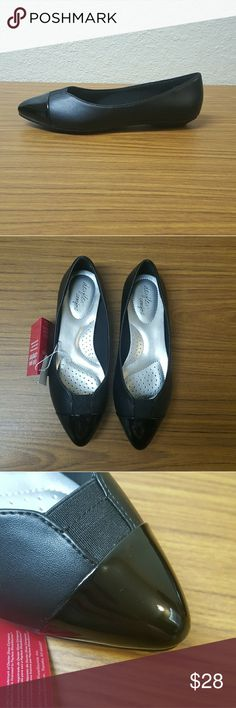 Dexflex Comfort Black Flats Deflex Comfort Black Flats. Size 6W. Premium memory foam insoles and all-day wearability. New with tags,  has one very small mark on the front of one side (last photo). Pair with a pencil skirt or trousers for a chic business look! Deflex Comfort Shoes Flats & Loafers
