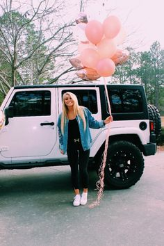 See more of content on VSCO. White Jeep Wrangler, Jeep Wrangler Unlimited, My Dream Car, Dream Cars, Dream Life, Cute Car Accessories, Car Goals, Cute Cars, Home