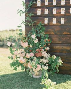 """Style Me Pretty on Instagram: """"This stunning, styled shoot at @hummingbirdnestevents reminds us why a blush color palette will always be a favorite here at SMP. 💞…"""""""