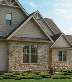 Mountain Ledge Stone, Wiarton Willow Colour - http://www.stonerox.com