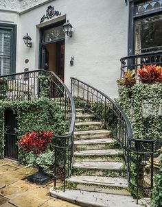 Step into the 1830s when you spend the night at the Ballastone Inn in historic downtown Savannah. Cobblestone streets and ornate waterspouts are just a few of the many hidden gems in Savannah's historic district.