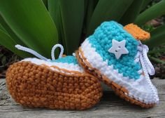 Knit baby converse look-alike shoes!