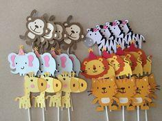 12 selva Safari tema Cupcake Toppers por TheresasPaperCrafts