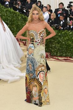 Stella Maxwell in Moschino - this may be my favorite dress at the met gala 2018! So original and detailed