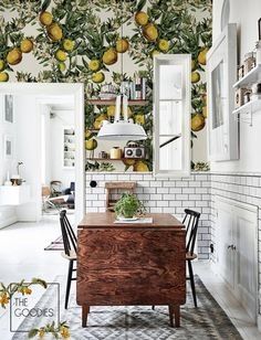 Home Interior Wood Lemon tree wallpaper Floral wallpaper Wall mural 69 Wallpaper Wall, Kitchen Wallpaper, Wallpaper Designs, Tree Wallpaper Dining Room, Lemon Flowers, Orange Flowers, Italian Home Decor, Floral Vintage, Sweet Home