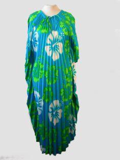 1970s Pleated Floral Caftan Maxi Dress