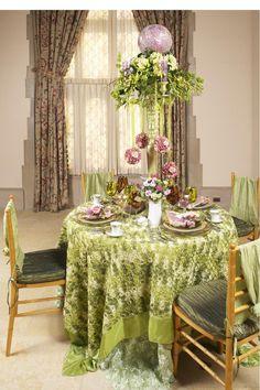 Tablescape ● Green