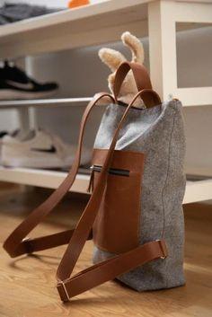 Rucksack: Rucksack aus österreichischem Loden, 100% Merinowolle und mit Details aus Leder. Ein alltäglicher Begleiter. Passend zum modernen Outfit und zu Tracht und Dirndl. Auch Kinderrucksack ----- Bagpack made from Austrian loden, 100% merinowool and dirndl cotton, details from leather. Rucksack, suitable for business and leisure. Fitting for modern outfit and traditional clothes like a Dirndl. Bagpack for children. #bagpack #sustainablefashion #rucksack Moderne Outfits, Shopper, Clutch, Babys, Leather Backpack, Christmas Gifts, Backpacks, Gift Ideas, Fashion