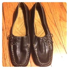 Brown Naturalizer Shoes Brown Naturalizer Shoes with side tie and elastic for a comfortable fit. Never worn only tried on. No trade or low balling. Naturalizer Shoes Flats & Loafers
