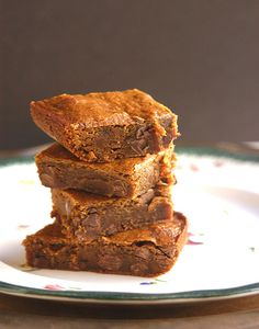 Chewy Gingerbread Chocolate Chip Bars