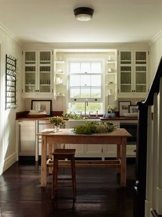 lovely and simple cottage kitchen