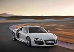 awesome 2013 Audi R8 V10 Full Review