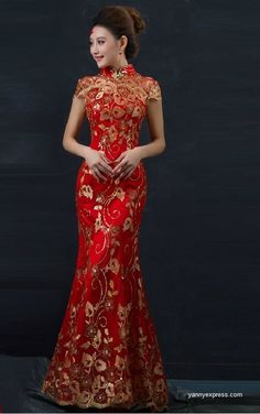 Red Chinese Wedding Dress Female Long Sleeveless Women Cheongsam Gold Chinese Traditional Dress Lady Qipao Evening Party Dress 8 The clothes not include the headwear and earring The dress length about from shoulder to bottom of dress S. Evening Dresses For Weddings, Bridal Dresses, Prom Dresses, Formal Dresses, Vestido Cheongsam, Fashion Vestidos, Banquet Dresses, Mode Vintage, Vintage Lace