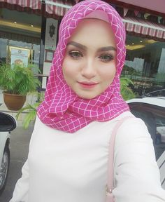hijabi lover #duniamaya Muslim Fashion, Hijab Fashion, Hijab Tutorial, Hijab Outfit, Outfits, Style, Swag, Suits, Hijabs