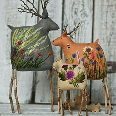 These sweet reindeer feature twigs for antlers and some truly lovely embroidery on their bodies. This is the work of embroidery artist Екатерины Гепты (Catherine Hepta). Fabric Art, Fabric Crafts, Sewing Crafts, Sewing Projects, Sewing Toys, Christmas Crafts, Christmas Ornaments, Christmas Decorations, Holiday Decor