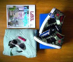 Ostatni przed wylotem zakup - magazyn LABEL, znalazł odzwierciedlenie w zakupowych wyborach w UK. Geometryczne wzory, jungle style, odcienie różu i zieleni.. -  okładkowy artykuł magazynu LABEL posłużył mi za inspirację, ponieważ łączy w całość to co uwielbiam :))