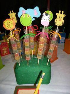 paletas de gomitas con figura de animalitos