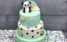 Sommige mensen zijn een ster in taarten bakken. Ik ben dus niet zo'n persoon. Daarom zocht ik mooie taarten inspiratie voor je op! Panda Birthday Cake, Birthday Cakes Girls Kids, Baby Girl Birthday Cake, Cute Birthday Cakes, Baby Girl Cakes, Beautiful Birthday Cakes, Sloth Cakes, Panda Cakes, Panda Kawaii