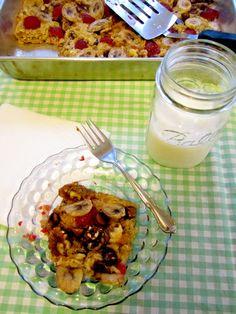 urban nester: gluten-free baked oatmeal casserole - bake once a week to eat for breakfasts Fodmap Recipes, Gluten Free Recipes, Baked Oatmeal Casserole, Breakfast Casserole, Breakfast Bake, Waffle, Gluten Free Oatmeal, Tasty, Yummy Food