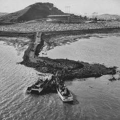 Boats bring in fans for the very first game at Candlestick Park (1960).