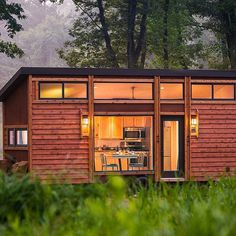 Have You Heard About The TINY HOUSE Movement? Could You Downsize? I Mean  Reeeeallly
