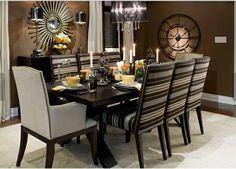 peinture salle à manger marron, table en bois, décorée de manière très esthétique