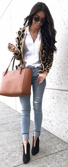 casual style perfection_animal printed cardi + white shirt + bag + boots + skinnies