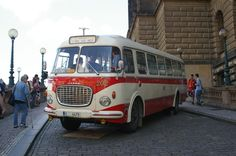 Czech Skoda 708 RTO bus Automobile, Beast From The East, Volkswagen Group, Cool Vans, Heavy Duty Trucks, Bus Coach, Busses, Old Trucks, Vintage Cars