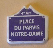 Fève du MH 2000 - Places de Paris : La Place du Parvis Notre Dame