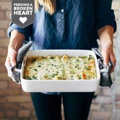 Simple Enchiladas Verdes Recipe - Pinch of Yum Tomatillo Sauce, Roasted Tomatillo, Enchiladas Verdes Recipe, Chicken Tetrazzini Recipes, Verde Sauce, Cooking For Two, Mashed Potatoes, Macaroni And Cheese, Main Dishes