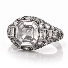This stunning antique Art deco diamond engagement ring is full of elegant sparkle! Finely crafted in solid platinum, this ring is set with 1 genuine antique asscher cut diamond. Victorian Engagement Rings, Platinum Engagement Rings, Diamond Wedding Rings, Asscher Cut Diamond, Art Deco Jewelry, Jewelry Rings, Jewellery Box, Vintage Rings, Vintage Jewelry